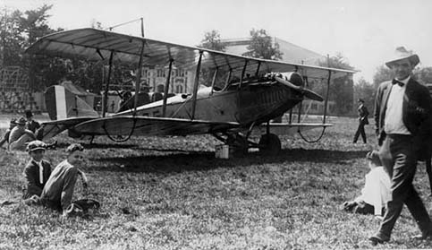 Airplane on Purdue Stuart Field (1918).