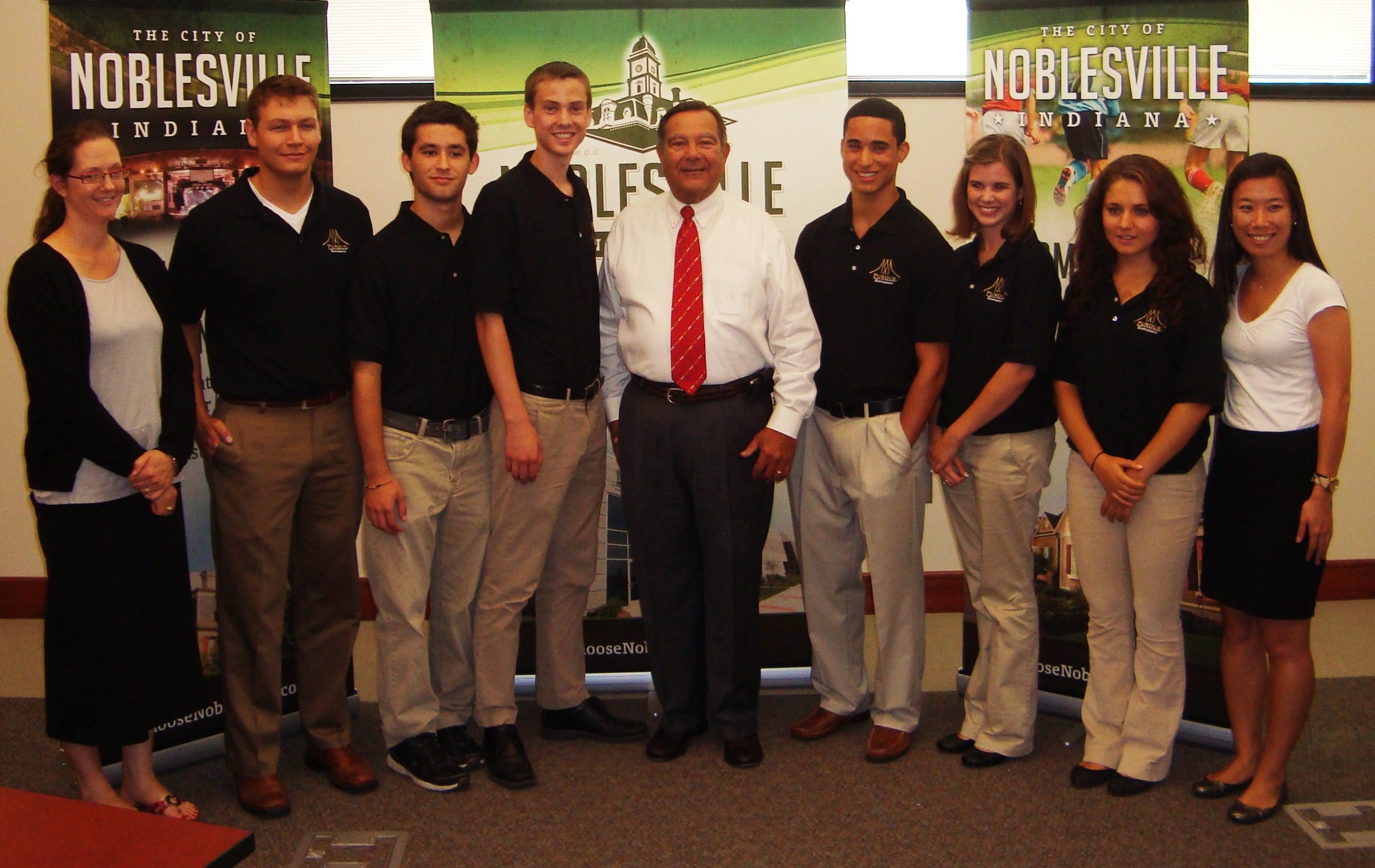 iGEM team with mayor of Noblesville, IN
