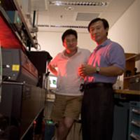 Professors Ji-Xin Cheng and Kinam Park in the laboratory