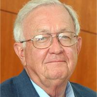 Dr. Robert Hannemann