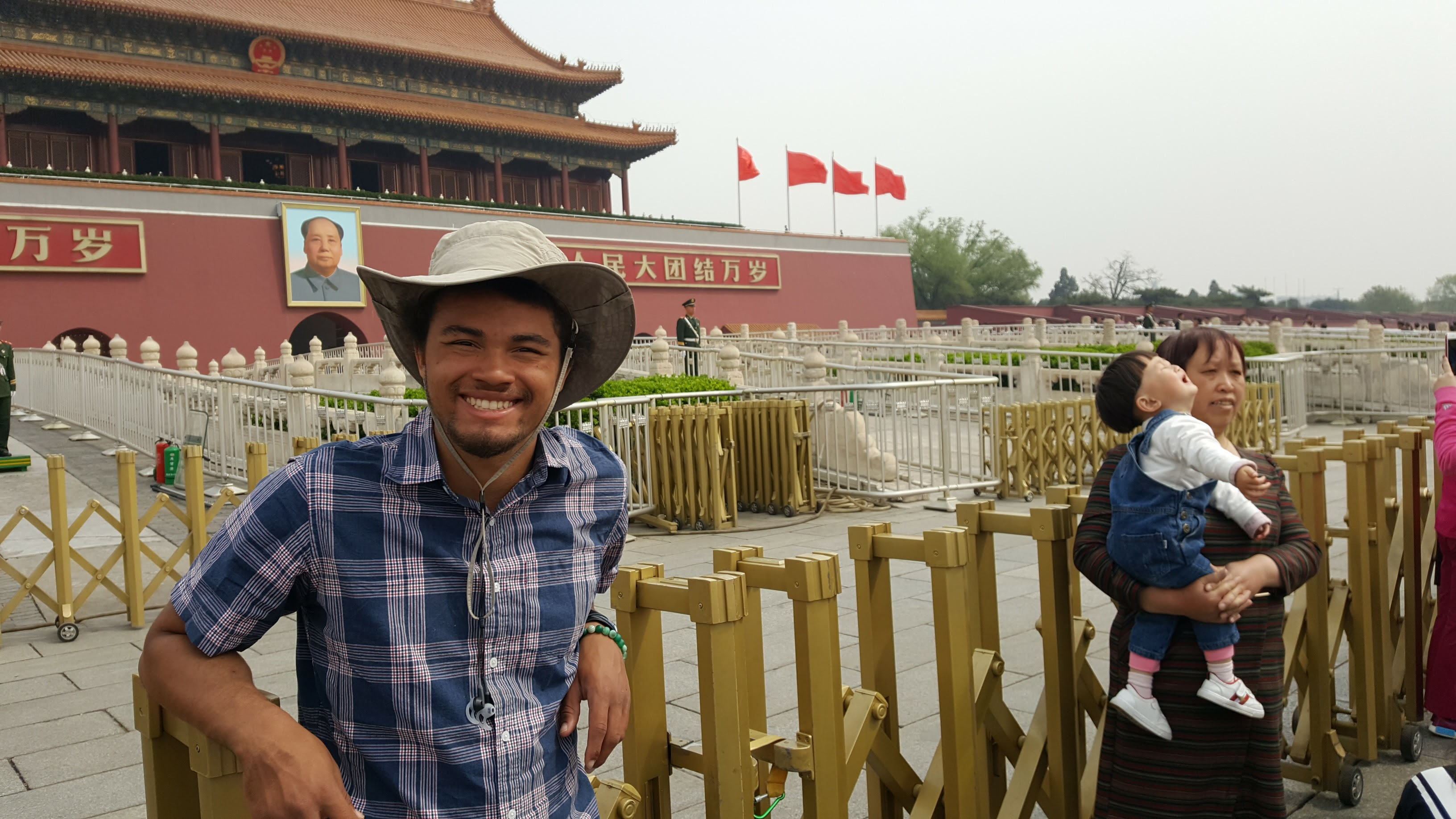 During a semester break, SJTU program participant Jerome Alexander Marshall visited the Tiananmen Square.