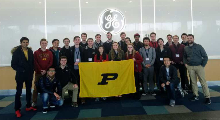 The SJTU program cohort toured the GE facility in Shanghai.
