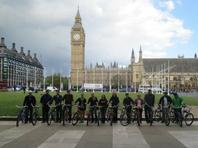 Bicycle tour through downtown London