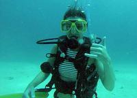 Megan Nowak diving the Great Barrier Reef