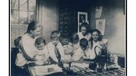 Photo of Lillian Gilbreth and children