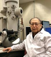 Photo of Dr. C. Richard Liu & transmission electronic microscope