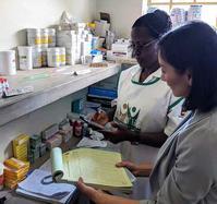 Photo of Yuehwern Yih with nurse