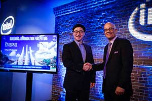 Photo of Purdue Engineering Dean Mung Chiang and Intel VP for Software and Services Group Rick Echevarria