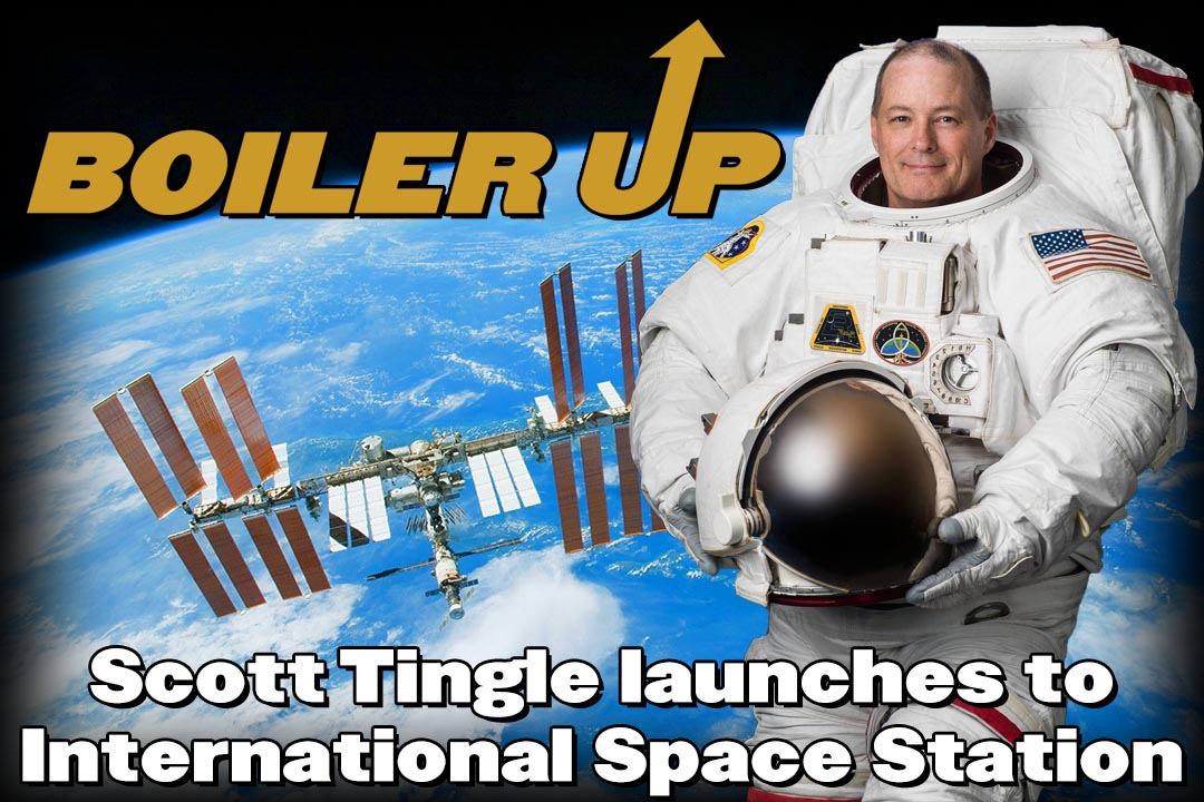 Scott Tingle launches to the International Space Station