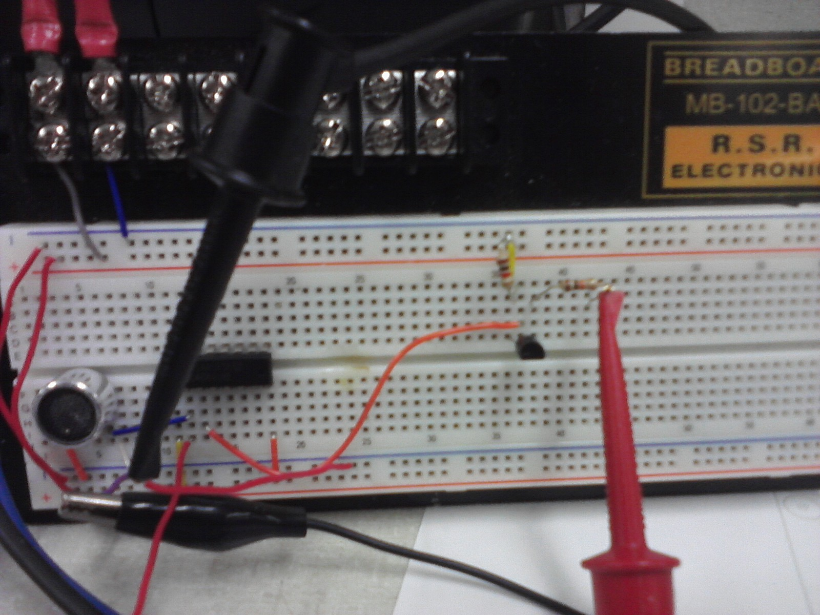 Brendon Mccools Lab Notebook The Breadboard Circuit Of Above Is Shown Below V08 Beacon Board Reflects This Change From Op Amp Based To New Also